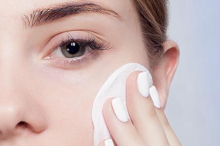 Von Dermatologen für Ihre Bedürfnisse entwickelt und entworfen